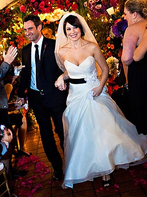 Marla Sokoloff tied the knot with Alec Puro on November 8th.  Celebrity Weddings- November 2009